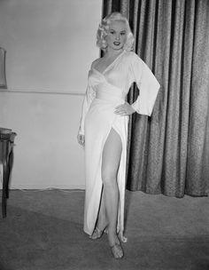 Vintage Glamour Girls: Mamie Van Doren