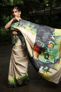 Latest Designer Sarees - New Arrivals Hand Painted Sarees, Hand Painted Fabric, Painted Silk, Saree Painting Designs, Fabric Paint Designs, Jute Silk Saree, Tussar Silk Saree, Dress Painting, Fabric Painting