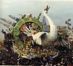 Viareggio - Italie, Carnevale di Viareggio----Non-si-può-fermare-il-tempo-Galli-1990- (Visited in februarie 1990 + 1991)