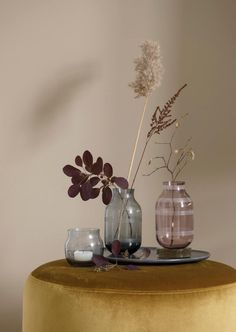 Check this, you can find inspiring Photos Best Entry table ideas. of entry table Decor and Mirror ideas as for Modern, Small, Round, Wedding and Christmas. Earthy Home Decor, Interior Styling, Interior Design, Entry Tables, Arte Floral, Home And Deco, Ikebana, Danish Design, Hygge