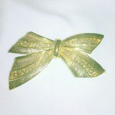 Vintage Gold Tone Bow Brooch by BorrowedTimes on Etsy