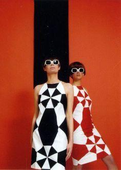 Perpetual Light Vintage Mod Fashion, graphic design, a line collar 1960s Mod Fashion, Sixties Fashion, Retro Fashion, Vintage Fashion, Sporty Fashion, Ski Fashion, Fashion Graphic, Trendy Fashion, Winter Fashion