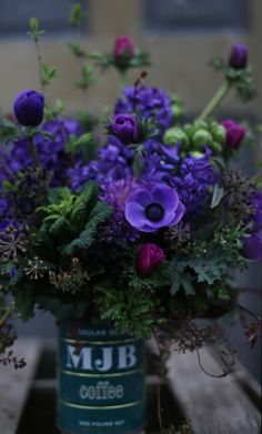 Gorgeous purples from Erin {Floret} theseasonalbouquet.wordpress.com