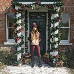 Christmas Photos, Christmas Tree, Photo Shoot, Holiday Decor, Home Decor, Xmas Pics, Teal Christmas Tree, Photoshoot, Christmas Pics