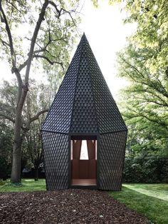 Vatican's Venice Biennale pavilion made using bespoke sustainable shingles by Alpi Interior Design Programs, New Interior Design, Interior Design Magazine, Modernist Movement, Venice Biennale, Timber House, Cool Landscapes, Vatican, Studio
