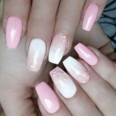 34 Rosa und weiße Nägel Trends für Frühling und Sommer 2019 There is so much more to pink and white nails than you have ever imagined! The versatility and elegance are granted. Would you dare having a look? Glitter Nails, Fun Nails, Pink Nail Colors, Pink White Nails, Hair Colors, Burgendy Nails, Oxblood Nails, White Summer Nails, Summer Holiday Nails