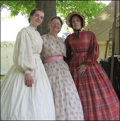 Reproductions of Civil War era day wear. I want!!!! I love the clothing from this era!!!!