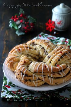 Christmas Bread, Christmas Sweets, Christmas Baking, Romanian Food, Bakery Cakes, Winter Food, Delish, Breakfast Recipes, Food And Drink