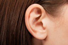 Kulak ağrısı için doğal yöntemler! En önemli nedenleri arasında orta ve dış kulak iltihabı olan kulak ağrısı aniden ortaya çıkıyor. Sinüzit, soğuk...