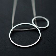 Medium Double Rolling Oh silver necklace by Minicyn on Etsy, €69.00