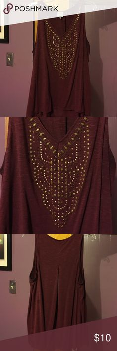 Maroon and gold tank top Maroon lightweight tanktop with brushed gold design. Size XXL. Tops Tank Tops