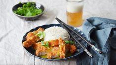 Japonská kuchyně není jen o sushi, pozor na to! Kromě nudlí a jiných pokrmů pracuje i s hodně populárním kari. A taky s řízkem, což byste možná nečekali. Garam Masala, Sushi, Curry, Treats, Ethnic Recipes, Food, Sweet Like Candy, Meal, Essen
