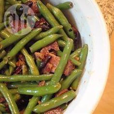 Haricots verts au bacon et à l'ail @ allrecipes.fr