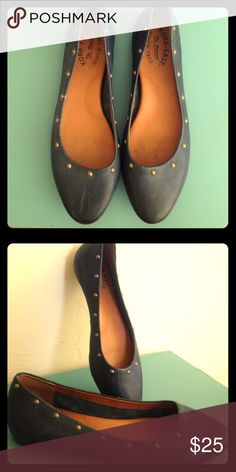 Kork-Ease dark blue teal ballet flats! These are Kork-Ease dark blue teal maybe dark green teal Beautiful color ballet flats! In amazing condition they have little brassy bling around the top edge as you see in the picture the soul and the inside are in amazing condition not my size but they look super comfy KORK-EASE Shoes Flats & Loafers