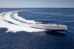 Vanquish VQ48 sports boat (3)