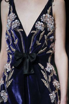 Altuzarra Fall 2017 Ready-to-Wear Accessories Photos - Vogue Haute Couture Style, Couture Mode, Couture Details, Fashion Details, Couture Fashion, Runway Fashion, High Fashion, Fashion Show, Womens Fashion