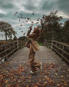 думаю, текст песни «осенний поцелуй» или «осень, осень...» тут ни к чему (хотя напрашивается) вопрос вот в че