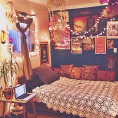 Dorm room idea. Sunset room. Wall of pictures