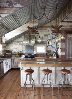 Rustic Kitchen Decor, Farmhouse Style Kitchen, Country Farmhouse Decor, Home Decor Kitchen, Country Kitchen, Kitchen Furniture, Rustic Furniture, Kitchen Ideas, Antique Furniture
