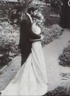 cute wedding picture - (mariska hargitay and peter hermann)
