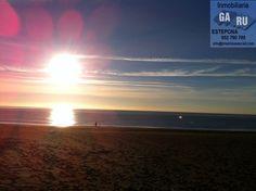 Sin Comentarios. No hay nada mejor que un paseo Matutino por la arena de la Playa para empezar el día. Martes 29 de Enero de 2013 a las 09:15 Horas. Paseo Marítimo de Estepona