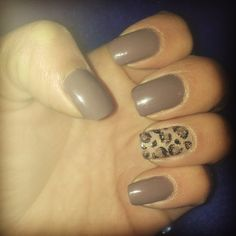 Cheetah accent nail