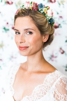 Wedding Hair And Makeup, Wedding Beauty, Wedding Hair Accessories, Hair Makeup, Wedding Nails, Flowers In Hair, Wedding Flowers, Wedding Dresses, Down Hairstyles