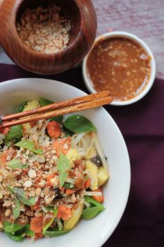 Stir Fried Noodles with Thai Peanut Sauce | love food eat