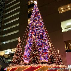 Mall decorative lighted commercial Christmas tree | Commercial ...