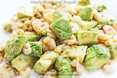 New clean eating recipe: clean eating dinner idea - simple shrimp avocado salad // Clean Eating Diet Plan Clean Eating Diet Plan, Clean Eating Dinner, Clean Eating Recipes, Healthy Diet Recipes, Healthy Snacks, Healthy Eating, Healthy Weight, Sin Gluten, Shrimp Avocado