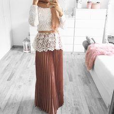 Same skirt - different style ❄️ Skirt / etek / rock  @mocinmuenchen Top  @nakdfashion (nicht aktuell) *Werbung  Anzeige