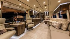 25 Luxury RV Motorhome Interior Design For Summer Holiday Tour Bus Interior, Motorhome Interior, Campervan Interior, Luxury Rv, Luxury Interior, Home Interior Design, Interior Ideas, Luxury Mobile Homes, Luxury Homes