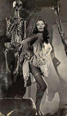 Skull and Bones vintage Halloween pinup