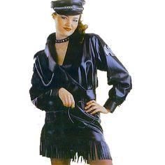 Biker Femme code produit : 947-111 3 pièces : Veste, Jupe et Casquette. Taille(s) : 38.