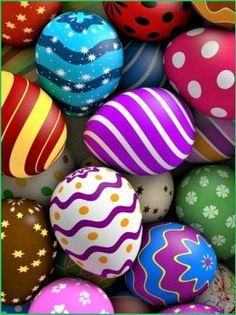 Easter egg hunt has been a long-running annual tradition. At first, hiding and finding Easter eggs is joyful. Easter Egg Crafts, Easter Art, Emoji Easter Eggs, Egg Rock, Diy Ostern, Egg Art, Easter Holidays, Egg Decorating, Easter Crafts