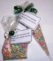 St. Patrick's Day gifts doesn't get any easier than this. Add Lucky Charms cereal to a cello bag. Kids love it!