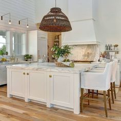 "1,074 Likes, 18 Comments - Home Bunch (@homebunch) on Instagram: ""Today on Home Bunch Blog: This has to be one of the most #coastalfarmhouse #kitchens I have ever…"""