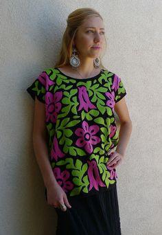 Mexican embroidered black challis blouse huipil por LivingTextiles