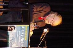 """Von Gletschern, Glut und Atlantischen Perlen - Hamburger AutorenvereinigungHamburger Autorenvereinigung. Wolf-Ulrich Cropp liest aus dem Kultbuch """"Alaska-Fieber"""" in Hamburg."""