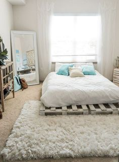 Dormitorios Beachy Boho Bedroom Bed - Sweet Teal Be There For Your Kid Finding time Room Ideas Bedroom, Bedroom Bed, Cozy Bedroom, Budget Bedroom, Bedroom Office, Pallet Ideas Bedroom, Diy Room Ideas, Bedroom Ideas For Small Rooms Diy, Surf Bedroom