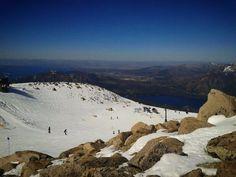 En Primavera también se disfruta la nieve en Bariloche! Saludos desde el cerro Catedral, Patagonia Argentina.  Más Bariloche: www.bariloche.org