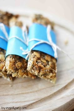 Erdnussbutter-Müsliriegel mit Chia Samen und Agavendicksaft