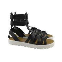 #Sandalias modelo romana it. Fabricadas con materiales de piel, suelas de poliuretano, con doble cierre de velcro regulable en el tobillo de la marca PORRONET