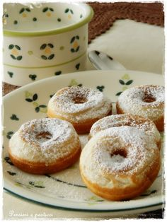 mini donuts scented with spices
