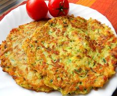 Courgette and potato pancakes with bacon Top-Rezepte.de - The combination of potatoes and zucchini is a bite to eat. Delicious zucchini and potato pancakes w - Slovak Recipes, Czech Recipes, Hungarian Recipes, Fast Dinners, Easy Meals, Zucchini Corn Recipe, Healthy Meals For Kids, Healthy Recipes, Vegetable Pancakes