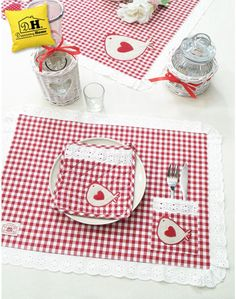 Home Textile Dowry Sets Place Mats Quilted, Table Runner And Placemats, Sewing Table, Mug Rugs, Hot Pads, Home Textile, Homemade Gifts, Crafts To Make, Embroidery Patterns