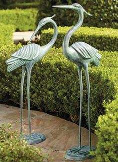 Our regal Brass Herons are a sight to behold on the lawn, in the garden, or by the water's edge.