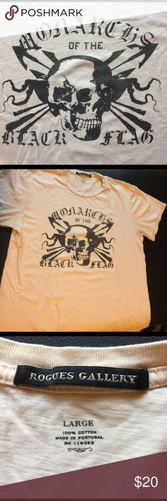 Designer tee with rad skull by Rogues Gallery Great condition, supersoft tee. By Rogues Gallery Rogues Gallery Shirts Tees - Short Sleeve