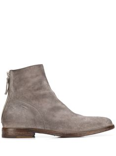 Grey leather Nottingham ankle boots from Moma featuring a round toe, a rear zip fastening, stitched panels and a chunky low heel. Botas Chelsea, Chelsea Boots, Nottingham, Grey Leather, Calf Leather, Moma Shoes, Officine Creative, Low Heels, World Of Fashion