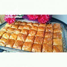 Milföylü Muhallebili Tatlı(muhakkak Denenmeli) Caramel Cookies, Beautiful Cakes, Hot Dog Buns, Tart, Waffles, Food And Drink, Cooking Recipes, Bread, Chocolate